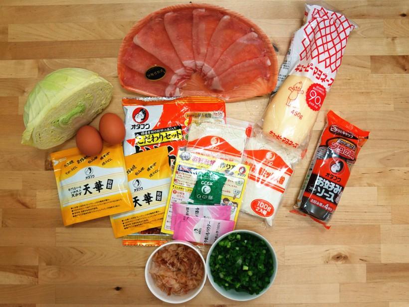 看了網上做大阪燒的片段後再去市場追加不同食材,原來要準備的也不少。