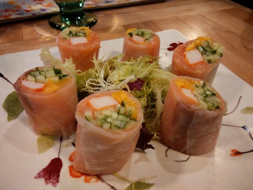 煙三文魚芒果蟹柳米卷,味道鮮甜,作為頭盤小吃很好。