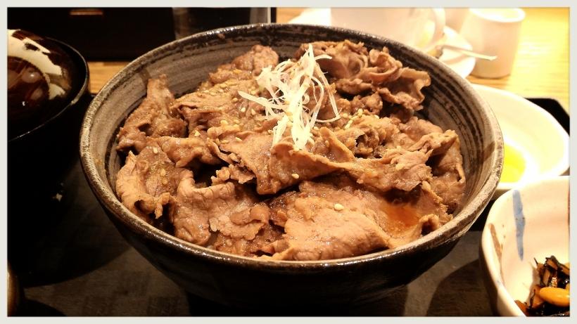 隨便點的牛肉飯,竟然比推介的豬肉飯好吃得多。