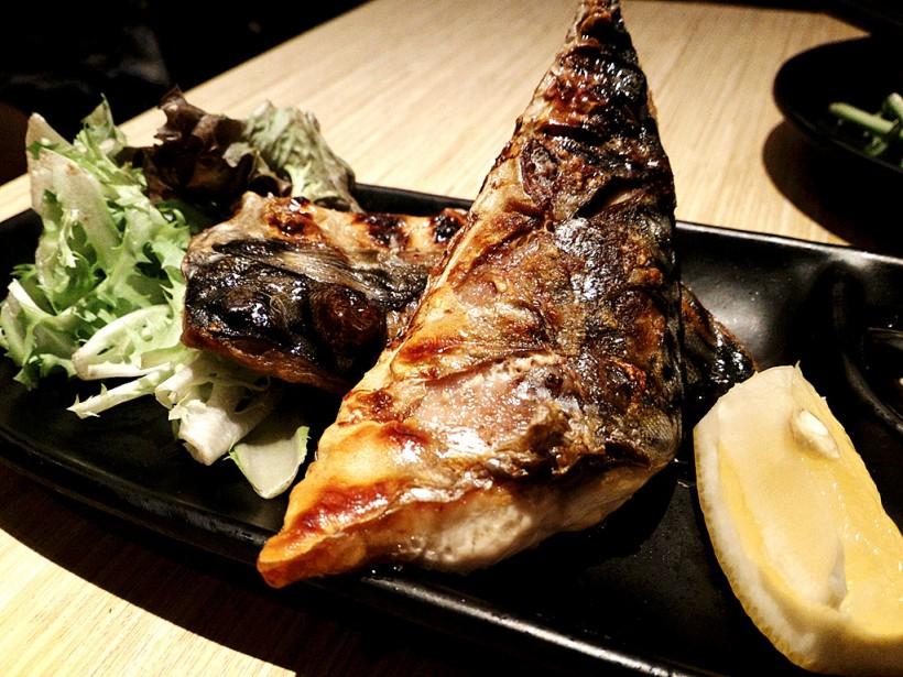 燒鯖魚很好吃喔,不過這個魚很少做得不好吃,因為牠本來就很好吃的說......只是這家做的有點油。