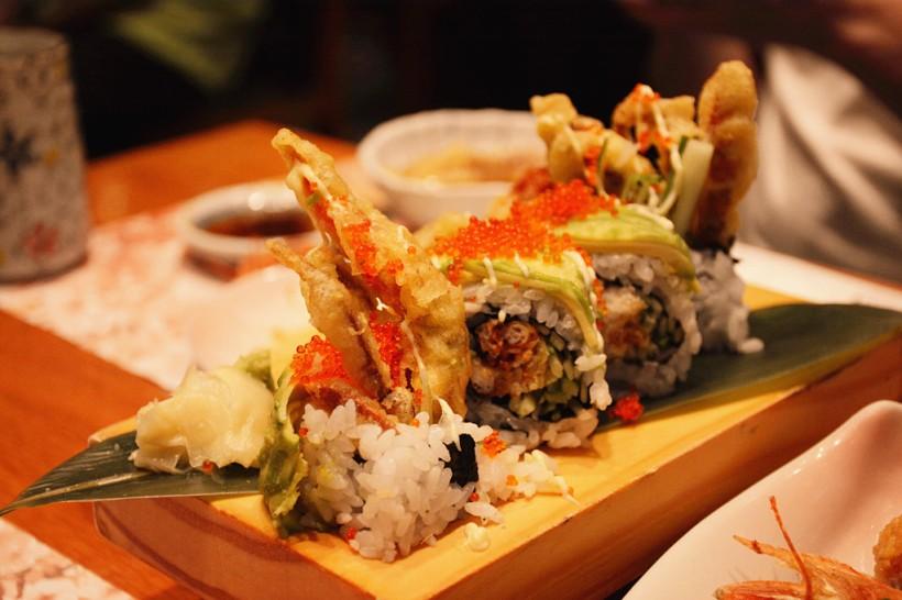 軟殼蟹牛油果卷,我平常就覺得這兩種食材加起來是絕配。