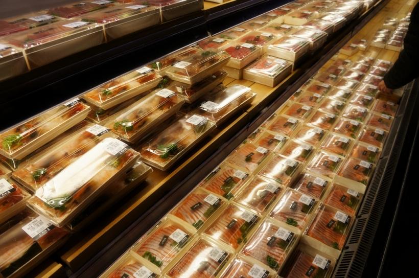 魚生和壽司的選擇很多, 而且比香港一般日式超市的便宜多了.