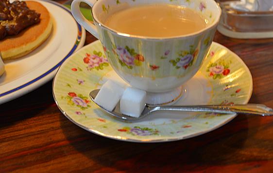咖啡的味道老實說我是忘記了, 好像是牛奶比例很高很香滑的感覺。